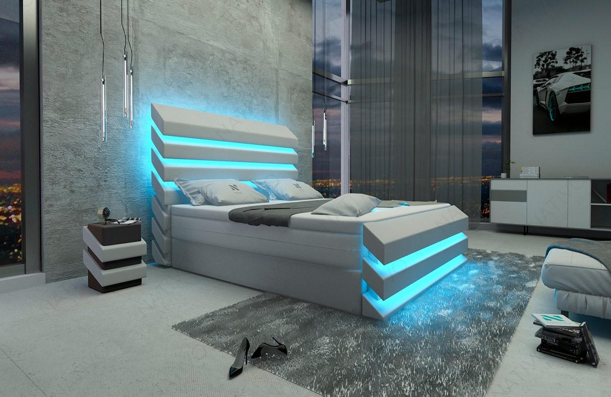 Bed boxspring BERLIN uitgevoerd in stof met topper en USB-poort