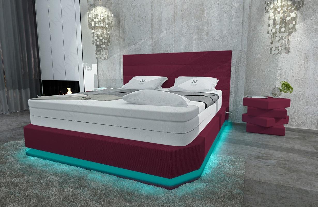 Bed boxspring PARIS uitgevoerd in stof met topper en USB-poort