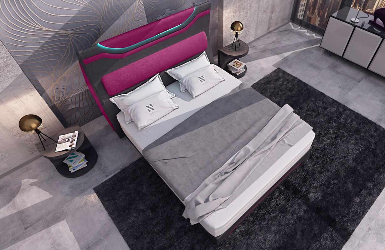 Bed boxspring WIEN uitgevoerd in stof met topper en USB-poort