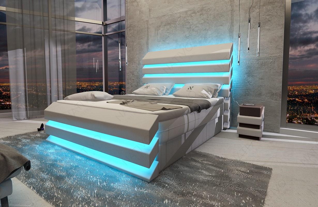 Bed boxspring BERLIN uitgevoerd in leder met topper en USB-poort