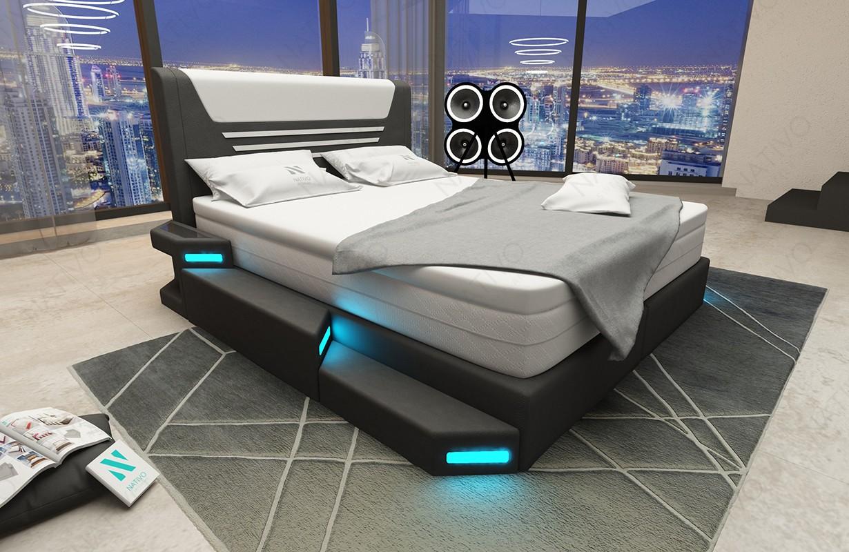 Bed boxspring NEMESIS uitgevoerd in leder met topper en USB-poort